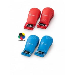 Защита кисти для Каратэ с пальцем (Daedo) Approved WKF